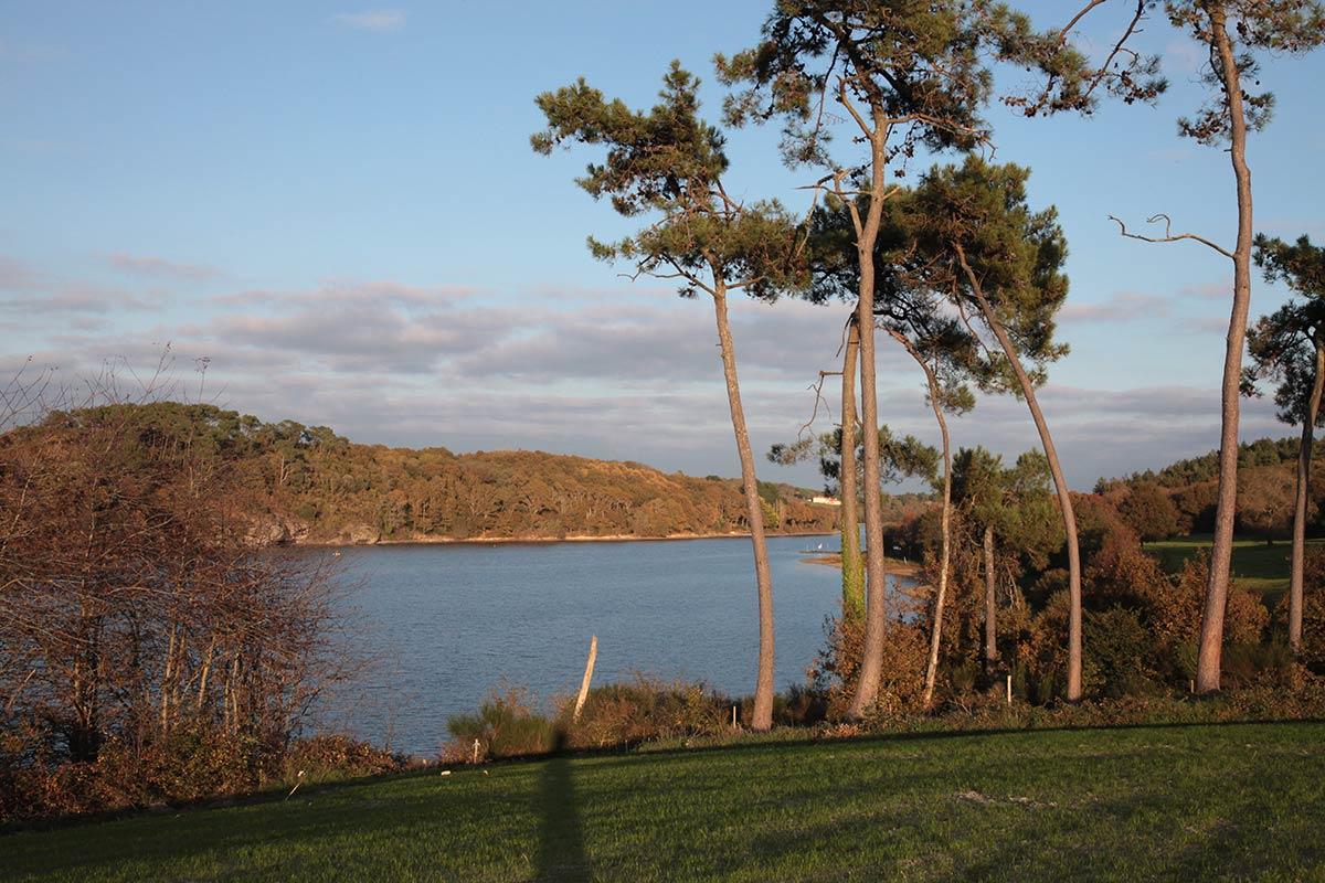 Lac du Jaunay proche camping Castel 5 étoiles en Vendée