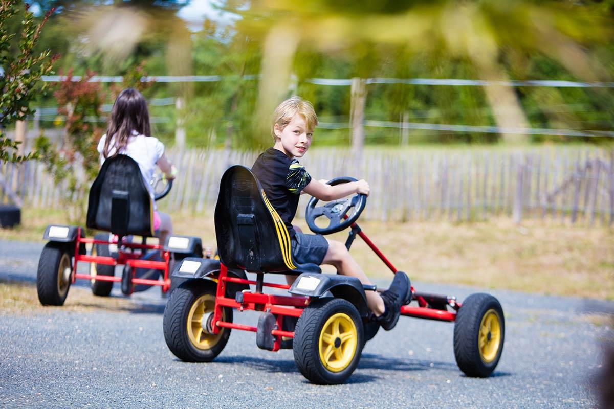 enfants kart camping Castel 5 étoiles en Vendée