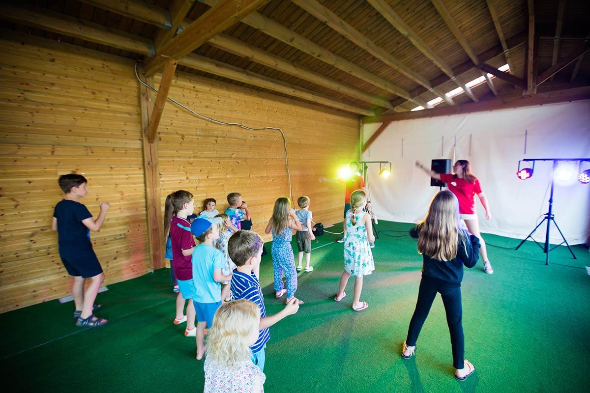 camping Castel 5 étoiles en Vendée danse club enfants