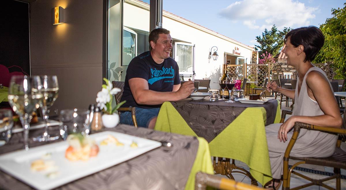 restaurant du camping Castel 5 étoiles en Vendée