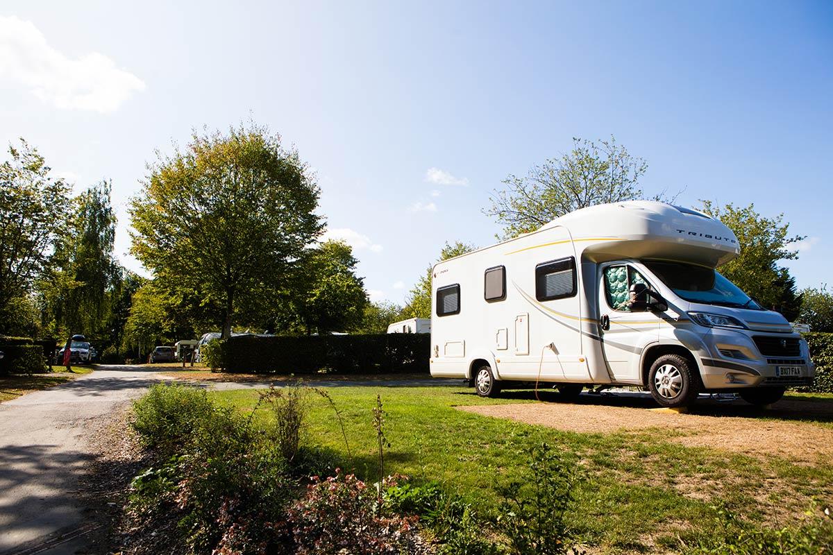 camping-car au camping Castel 5 étoiles en Vendée