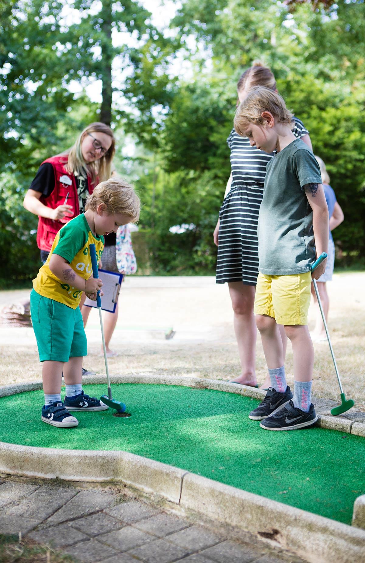 le mini-golf camping Castel 5 étoiles en Vendée