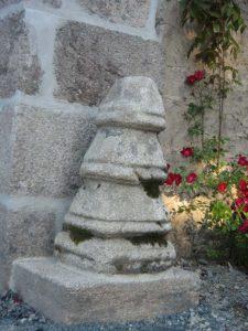 les vieilles pierres du chateau