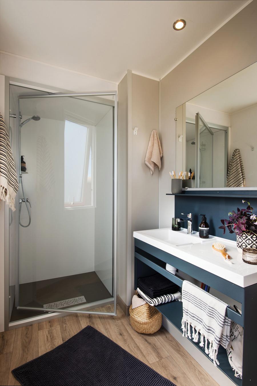 Salle de bain riviera - camping la Garangeoir Vendéee